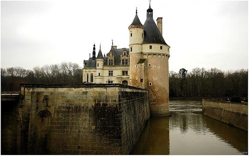 European castles of the medieval era essay
